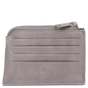 Adax Kreditkort holder Susy Salerno Cement