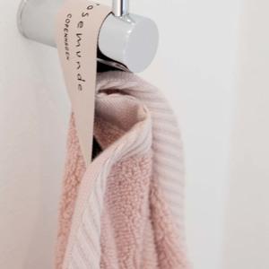 Rosemunde Håndklæde Rosa alt image