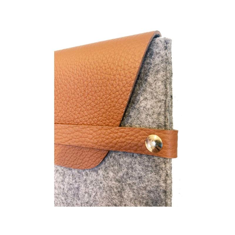 A New Story iPad Sleeve Filt Gråbrun 3